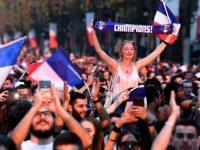Galeri Paris Berpesta usai Juara Piala Dunia 2018 © AFP