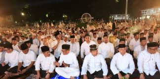 Pemerintah Prov Sulsel menggelar Dzikir dan Doa Bersama di Rumah Jabatan Gubernur Sulawesi Selatan di Jalan Sungai Tangka, Makassar, Jum'at (12/10) malam.