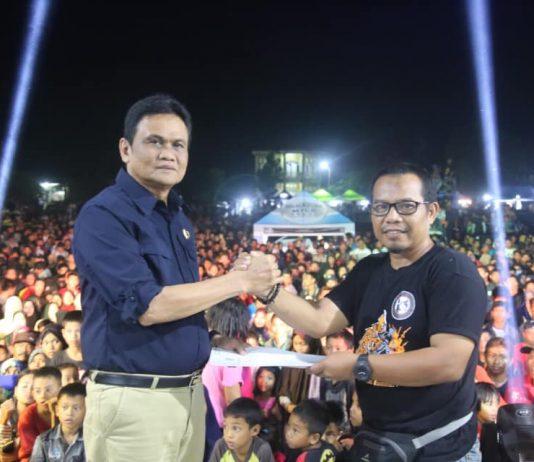 Rider Nusantara Salurkan Bantuan Korban Gempa Palu melalui Pemkab Barru