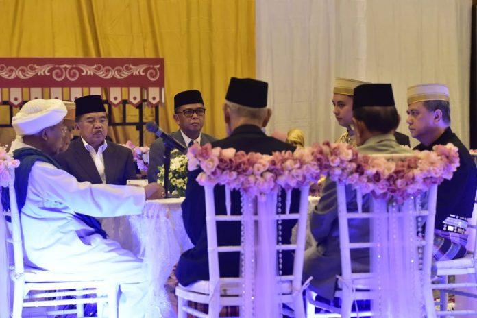 Nurdin Abdullah Jadi Saksi Nikah Ponakan JK