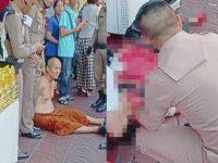 Uji Kekebalan, Darah Penjual Jimat Ini Tersimbah Ditebas Pengunjung