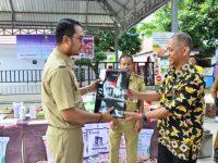 Demonstrasi Diversivikasi Komsumsi Pangan Pemda Sinjai bekerjasama dengan PT. Eastern Pearl Four Mills yang berlangsung di Pendopo Rumah Jabatan Bupati, Senin (2502).