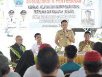 Sosialisasi dan Penyerahan Asuransi Nelayan di Tempat Pelelangan Ikan Kaili