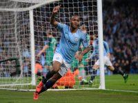 Selebrasi Raheem Sterling setelah mencetak gol keduanya dalam laga Manchester City vs Tottenham, Kamis (18/4/2019).