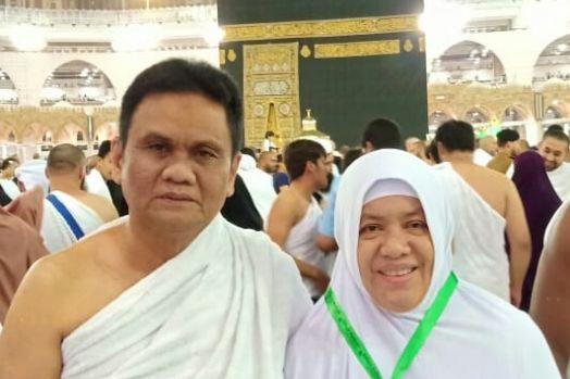 Bupati Barru, Ir. H. Suardi Saleh bersama Istri, drg. Hj. Hasnah Syam, MARS (Foto: Ist.)