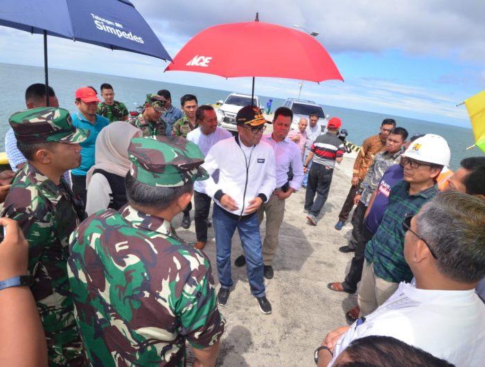 Gubernur Sulawesi Selatan (Sulsel), Prof HM Nurdin Abdullah meninjau mega proyek di Luwu Utara, Kamis (30/5/2019).
