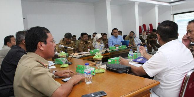 Kepala Badan Pengatur Jalan Tol (BPJT) Kementrian Pekerjaan Umum dan Perumahan Rakyat (PUPR) Danang Parikesit menyertai PT NI saat pertemuan bersama Sekretaris Daerah Kota Makassar M Ansar.