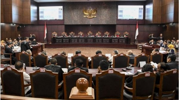 Suasana sidang perdana Perselisihan Hasil Pemilihan Umum (PHPU) sengketa Pilpres 2019 di Mahkamah Konstitusi, Jakarta, Jumat (14/6)