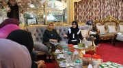 Lies F Nurdin bersama KPRM Makassar.