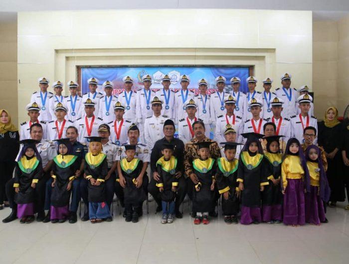 Pelantikan dan Pelepasan Bintara Pelayaran Niaga angkatan II Taruna SMK Pelayaran Lintas Nusantara Barru Tahun 2019 di Aula Gedung Bola Sobae Kecamatan Barru, Sabtu (29/6/2019).