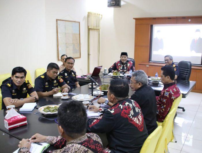 Bupati Bulukumba AM Sukri Sappewali bersama para kepala OPD menerima kunjungan rombongan jajaran Kantor Bea dan Cukai Makassar, Kamis 13 Juni 2019.