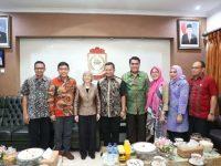 Pj Wali Kota Makassar Dr M Iqbal S Suhaeb menerima kunjungan Elisabeth Smela di Rumah Jabatan Wali kota, Jumat (14/6/2019).