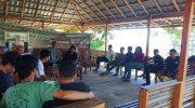 Yayasan Perintis Ppparalang, karang taruna Karaeng Mamampang, karang taruna Batu Manimbang, serta para pemuda Desa Ara dan Desa Lembanna saat koordinasi pembentukan Komunitas Pemuda Peduli Lingkungan (PPL) di Raja Lima Serambi Tinadung, Minggu (16/6/2019).