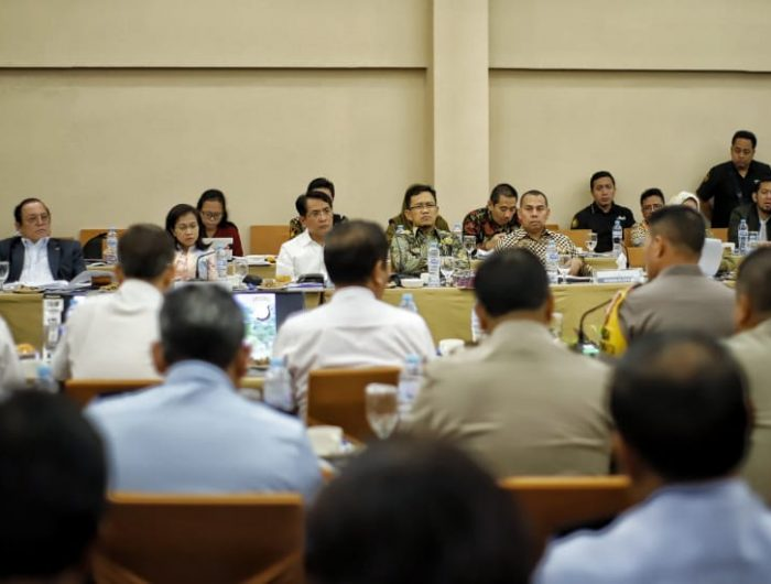 Komisi III Dewan Perwakilan Rakyat (DPR) RI melakukan pertemuan dengan sejumlah instansi pemerintah Sulawesi Selatan