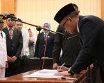 Bupati Bantaeng, DR Ilham Azikin melantik 50 pejabat baru di jajaran Pemkab Bantaeng di ruang pola kantor Bupati Bantaeng, Rabu, 19 Juni 2019