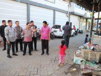 Sekda Makassar, Muh Ansar meninjau langsung lokasi lomba kelurahan terpadu di Buloa, Kamis 20/6/2019.