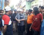 M Iqbal S Suhaeb mengunjungi lokasi kebakaran di Jalan Sinassara, Lorong 3, Kelurahan Kaluku Bodoa, Kecamatan Tallo Kota Makassar.