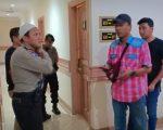Anggota DPRD Kolaka Utara Amri Alwi (45) ditemukan tewas di Hotel Panakkukang, Makassar, Minggu (23/6/2019) malam.