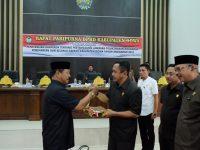 Wakil Bupati Gowa menyerahkan Rancangan Peraturan Daerah (Ranperda) tentang Pertanggungjawaban Pelaksanaan Anggaran Pendapatan dan Belanja Daerah (APBD) 2018 kepada DPRD Kabupaten Gowa.