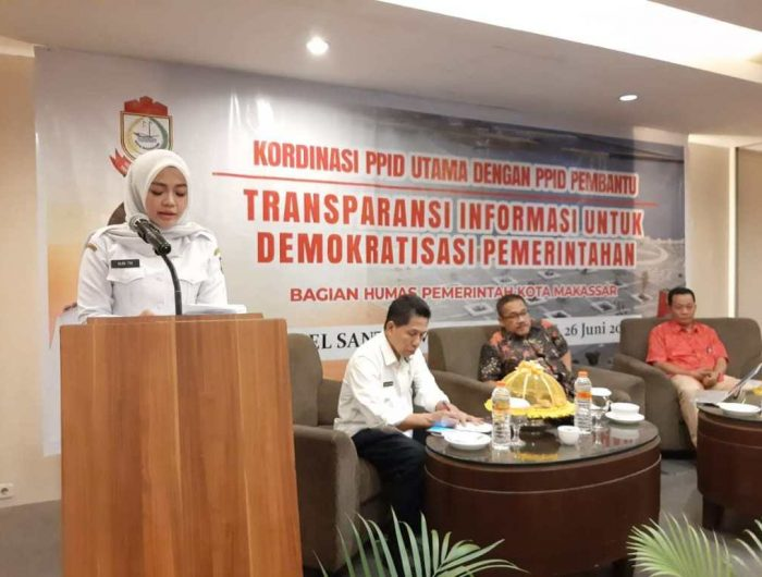 Koordinasi Pejabat Pengelolaan Informasi dan Dokumentasi (PPID) Utama dengan PPID Pembantu di Hotel Santika, Makassar.