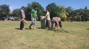 Pemerintah Desa Lompo Tengah Kecamatan Tanete Riaja bekerjasama dengan Dinas Tata ruang dan Pemukiman Kabupaten Barru menggelar gotong royong berasama masyarakat dan pemuda, Jumat (28/6/2019).