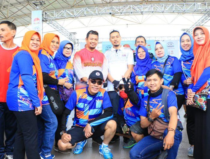 Kepala Dinas PPKB Kota Makassar H Andi Zulkifly Nanda turut memeriahkan sepeda santai bersama warga Makassar pada peringatan Hari Keluarga Nasional (Harganas) XXVI