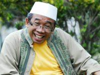 Pelawak Nurul Qomar.