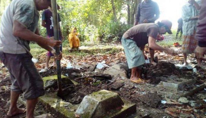Sebanyak empat makam dibongkar paksa atas permintaan salah satu caleg 2019 di lingkungan Pangkarodde, Kelurahan Pate'ne, Kecamatan Polongbangkeng Selatan Kabupaten Takalar.