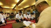 Pj Wali Kota Makassar Dr M Iqbal S Suhaeb meluncurkan program Jumat Beribadah di Masjid Sultan Alauddin Kompleks UMI, jalan Racing Center, Kecamatan Panakkukang, Jumat (21/6/2019).