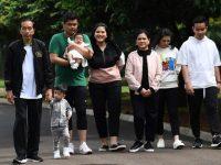 Presiden Joko Widodo bersama keluarga. (ANTARA FOTO/Wahyu Putro A)