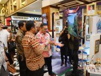Devo Khadafi mendampingi Wagub Andi Sudirman saat pelaksanaan Humas Expo Sulsel 2019, di Mall Phinisi Point Makassar.