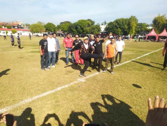 Tendangan Kick Off Iqbal Suhaeb Awali Gala Karya Zona Sulsel 2019