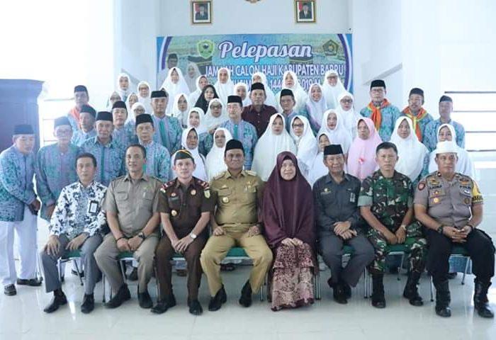 Suardi Saleh Lepas JCH Kabupaten Barru