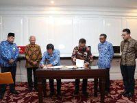 GMTD Resmi Serahkan Lahan Jalan Metro Tanjung Bunga dan Stadion Barombong ke Pemprov Sulsel.