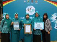 Ketua TP PKK Kota Makassar, Murni Djamaluddin Iqbal, menerima penghargaan tersebut di Padang, Provinsi Sumatera Barat. (24/07/2019).