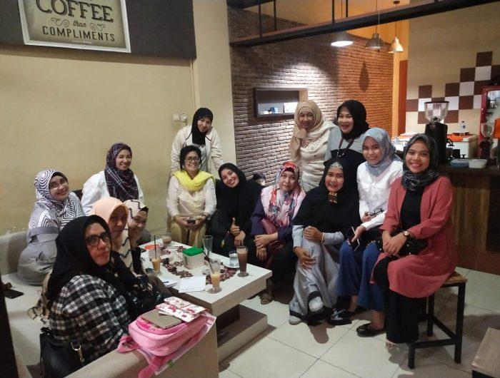 Komunitas Ibu Cerdas Indonesia (KICI) Sulsel, mengadakan pertemuan mingguan di kafe ontime