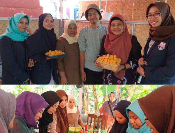 Andi Hamsiah memberikan Pelatihan Pengelolaan Jamur Tiram sebagai menu sehat non kolestrol, di Antang, Kecamata Manggala, Minggu (07/07/2019).