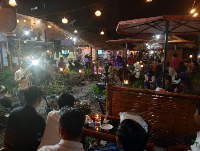 Dialog Interaktif dan Halal Bihalal KAHMI UIN Alauddin Makassar di New Tosil Cafe and Resto.