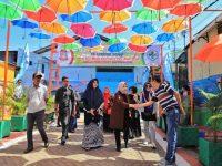 Pj Ketua TP PKK Kota Makassar Murni Djamaluddin Iqbal kembali meninjau persiapan Kelurahan Buloa, Kecamatan Tallo, Makassar.