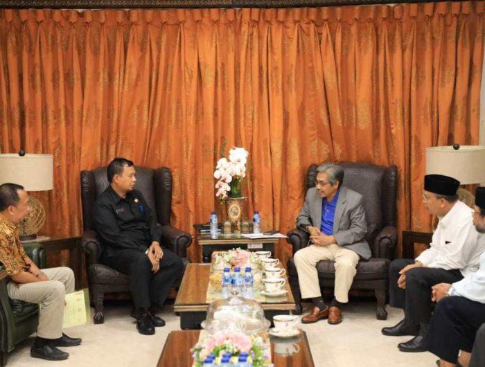 M Iqbal S Suhaeb saat menerima kunjungan MUI Sulsel di Rujab Wali Kota Makassar.