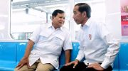 Presiden Jokowi bertemu dengan Prabowo Subianto di Stasiun MRT di Lebak Bulus, Jakarta, Sabtu (13/7) pagi. (Foto: Ist)