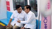 Jokowi dan Prabowo berbincang di MRT