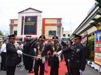 Upacara Purna Bhakti pelepasan Wisudawan purna bhakti bertempat di halaman Apel Polrestabes Makassar, Senin, (01/07/2019).