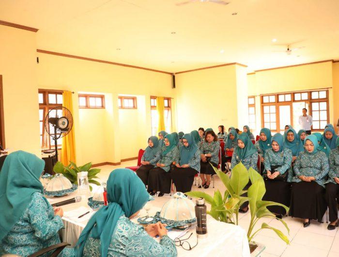 Tim Supervisi, Monitoring dan Pelaporan (SMEP) PKK Sulawesi Selatan melakukan kunjungan kerja ke PKK Bantaeng, Jumat, (2/8/2019).