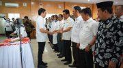 Wakil Bupati Tomy Satria Yulianto mengukuhkan anggota Tim Percepatan Akses Keuangan Daerah (TPAKD) Kabupaten Bulukumba