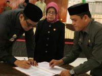 Penandatanganan Nota Kesepakatan Kebijakan Umum Perubahan Anggaran (KUPA) dan Prioritas Plafon Anggaran Sementara (PPAS) Kabupaten Barru