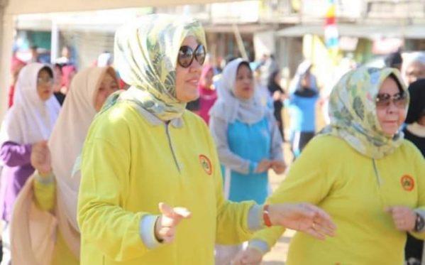 "Ketua TP PKK Barru ""Senam Sehat"" Bersama Warga di Mallusetasi"