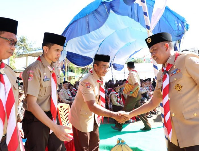 Bupati Bantaeng, DR Ilham Azikin meninjau lokasi perkemahan di Lapporo, Desa Bonto Karaeng, Kecamatan Sinoa, Kabupaten Bantaeng, Rabu (14/8/2019).