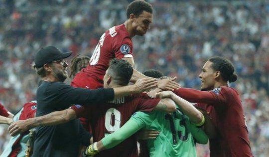 Liverpool merayakan kemenangan atas Chelsea di Piala Super Eropa 2019 (c) AP Photo