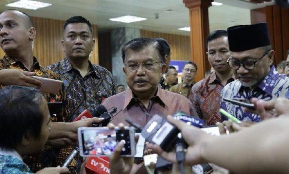 Wakil Presiden RI Jusuf Kalla menghadiri peringatan Hari Konstitusi yang digear di gedung DPR/MPR Senayan